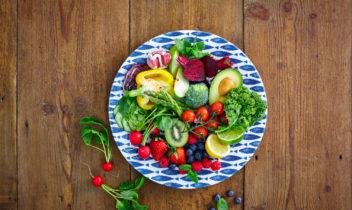 Fresh fruits and vegetables salad