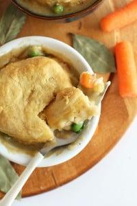 1-hour-vegan-pot-pies-via-minimalistbaker-com_