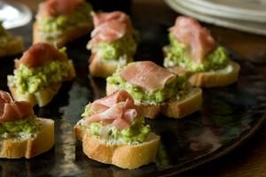 Avocado-Proscuitto-Crostinis
