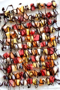Chocolate-Drizzle-Frozen-Fruit-Skewers13