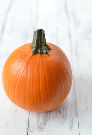 How to Roast a Pumpkin and Make Homemade Purée