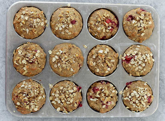 The Everyday Chef: Moist & Perfectly Tart Oatmeal Cranberry Muffins. Fruits And Veggies More Matters.org