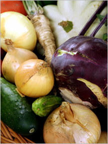Think Variety Think Color: Eat a variety of fruits and vegetables every day