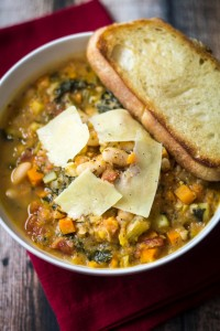 easy-tuscan-soup-white-beans-recipe-4